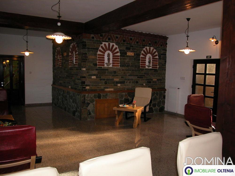 Vânzare Pensiune Casa Ancuței 4**** + teren 1000 mp în stațiunea montană Rânca