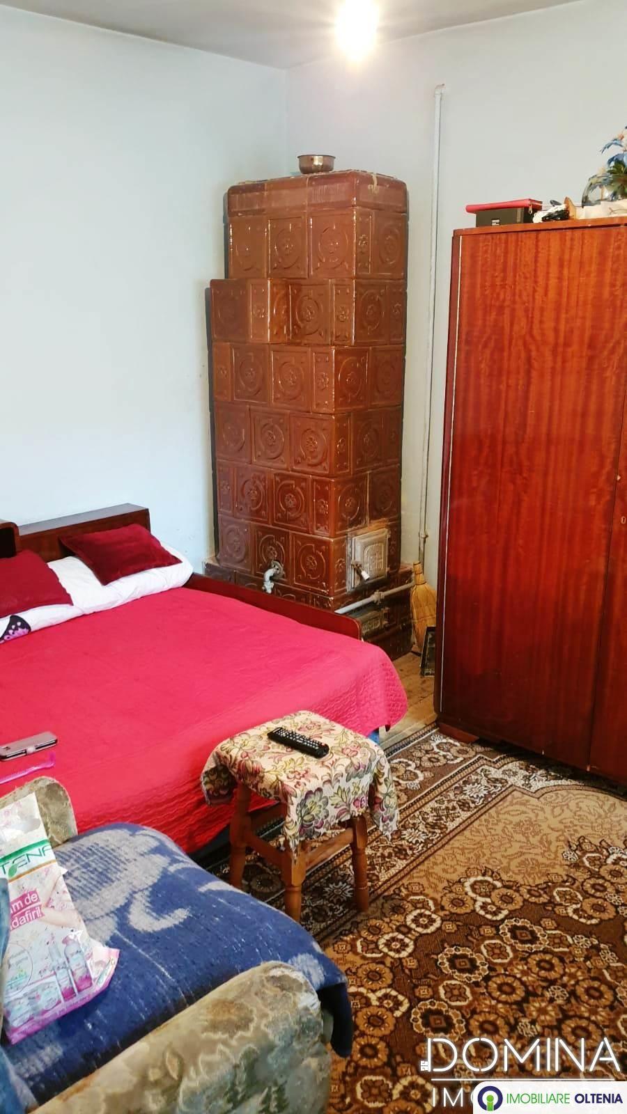 Vânzare casă în Târgu Jiu strada Luncilor - zona 9 Mai
