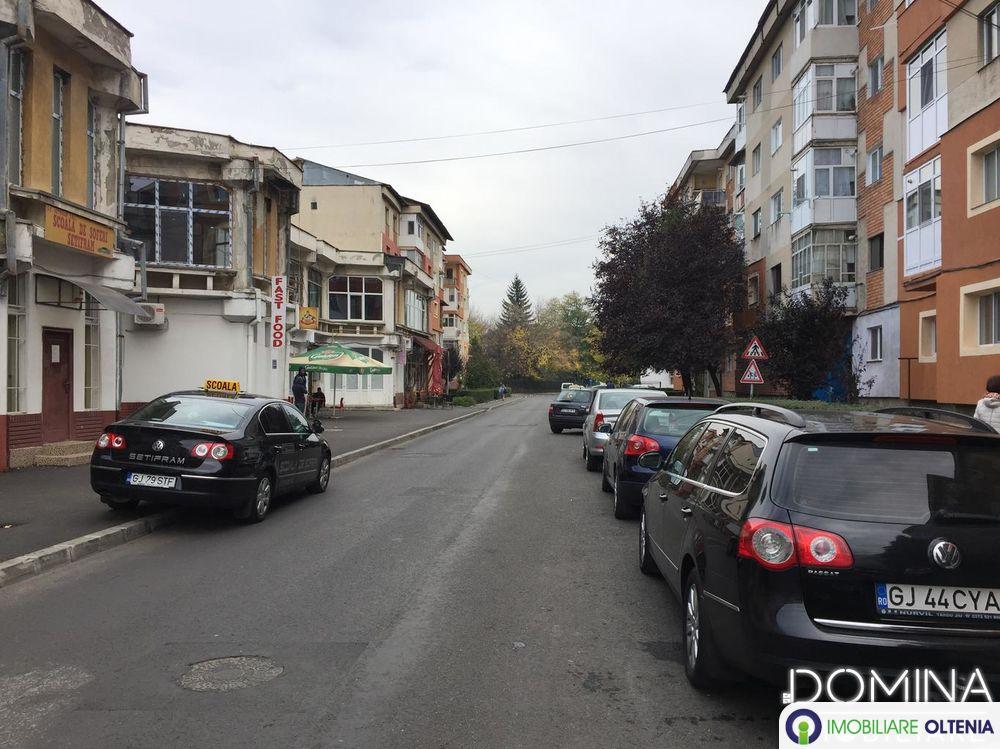 Închiriere spațiu comercial în Târgu Jiu, strada Lt. Col. Dumitru Petrescu