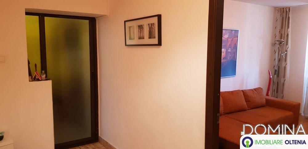 Închiriere apartament 2 camere, situat în Târgu Jiu, strada Unirii